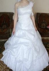 Красивое свадебное платье - недорого